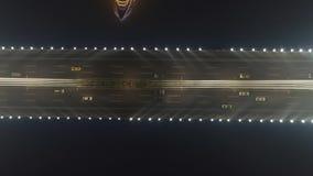 Brug in Guangzhou-Stad en autoverkeer bij nacht Guangdong, China Lucht Mening stock video