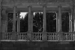 Brug met kolommen stock fotografie