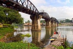 Brug op de rivier Kwai stock afbeelding