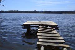 Brug op het meer Royalty-vrije Stock Foto