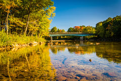 Brug over de Saco-Rivier in Conway, New Hampshire Stock Afbeelding