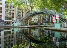 Brug over het Kanaal Saint Martin in Parijs royalty-vrije stock foto's