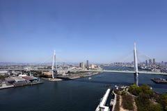 Brug over het overzees in Osaka Stock Afbeelding