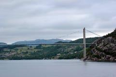 Brug over Lysefjord, dichtbij Forsand-stad, Noorwegen Royalty-vrije Stock Fotografie