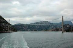 Brug over Lysefjord, dichtbij Forsand-stad, Noorwegen Royalty-vrije Stock Foto