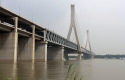 Brug over rivier Yangtze royalty-vrije stock foto's