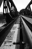 brug over rivierkwai Stock Afbeelding