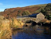 Brug over stoom, Watendlath, Cumbria. royalty-vrije stock foto