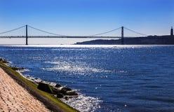Brug Ponte 25 April Tagus River Belem Lisbon Portugal Stock Afbeeldingen