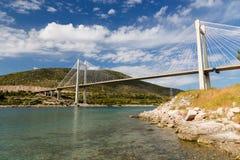 Brug van Chalkis, Euboea, Griekenland stock foto's
