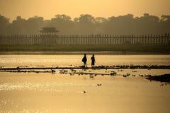 Brug van ochtend de Birmaanse u bein Stock Afbeeldingen