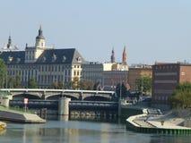 Brug van Pomerania over de Rivier van Oder in Wroclaw royalty-vrije stock foto