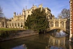 Brug van Sighs - Cambridge - Engeland Royalty-vrije Stock Afbeeldingen