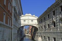 Brug van Sighs, Venetië Stock Foto