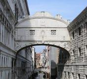 Brug van Sighs in Venetië in Italië stock afbeelding