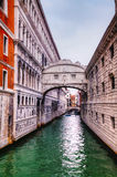 Brug van Sighs in Venetië, Italië stock fotografie