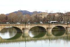 Brug van Vittorio Emanuele I, rivier Po, Turijn, Italië Royalty-vrije Stock Foto's