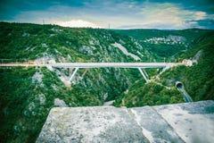 Brug verbindende tunnels in stad van Rijeka royalty-vrije stock foto