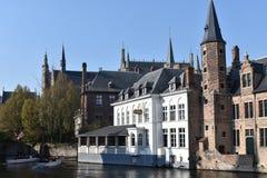 Bruges är precis några kilometer från Bryssel royaltyfri foto