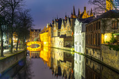 Bruges, Belgia przy półmrokiem obraz stock