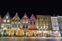 BRUGES BELGIEN - DECEMBER 05 2016 - gammal marknadsfyrkant för jul i Bruges Royaltyfria Bilder