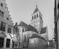 BRUGES BELGIEN - JUNI 12, 2014: Kyrka av st Jacob i morgon Royaltyfri Foto