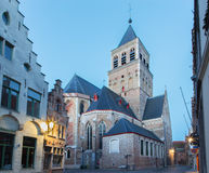 BRUGES BELGIEN - JUNI 12, 2014: Kyrka av st Jacob i morgon Royaltyfri Bild