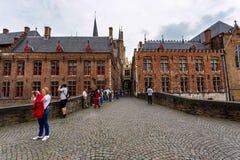 BRUGES BELGIEN - JUNI 10, 2014: Sikt av gator i Bruges Royaltyfria Bilder