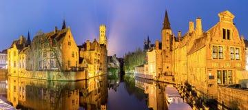 Bruges, Belgio al crepuscolo immagine stock