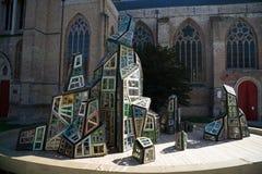 BRUGES, BELGIO EUROPA - 25 SETTEMBRE: Outsid moderno della scultura Immagini Stock Libere da Diritti