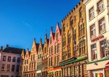 BRUGES, BELGIO - 17 GENNAIO 2016: Quadrato di Grote Markt di Natale nella bella città medievale Bruges Fotografia Stock