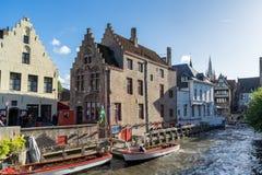 BRUGES BELGIUM/EUROPA, WRZESIEŃ 25, -: Turysta stać w kolejce dla bo Obraz Stock