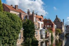 BRUGES BELGIUM/EUROPA, WRZESIEŃ 26, -: Budynki przy ca Zdjęcia Stock