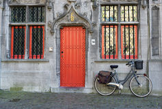 BRUGES, BELGIUM/ EUROPE - SEPTEMBER 25: Bicycle outside a proper Royalty Free Stock Photography