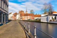 Bruges Brugge cityscape med kanalen och hus Arkivfoton