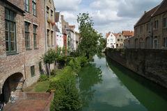 Bruges. Canal in the niddle of Bruges Royalty Free Stock Photography