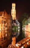 Bruges em a noite fotos de stock