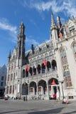 Bruges - facciata gotica neo del builidnig di Historium a partire dagli anni 1910-1914 sul quadrato di Grote Markt Fotografie Stock Libere da Diritti