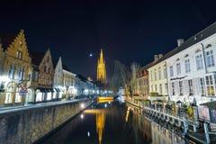 BRUGES kanał przy nocą, Belgia Bruksela BELGIA, GRUDZIEŃ - 05 2016 - Obraz Stock