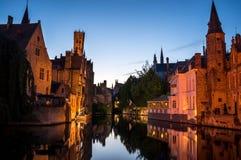 Bruges kanal och reflexioner Fotografering för Bildbyråer