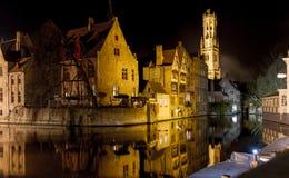 Bruges romântica na noite Fotos de Stock Royalty Free