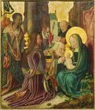 Bruges - tillbedjan av de tre vise männenplatsen av den okända målaren från 15 cent i kyrkan vår dam Arkivfoto