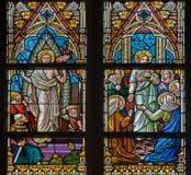 BRUGGE, БЕЛЬГИЯ - 12-ОЕ ИЮНЯ 2014: Воскрешенная сцена Христоса на windwopane в церков st Jacobs Стоковое Изображение RF
