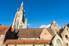 BRUGGE, BELGIË EUROPA - 25 SEPTEMBER: Kerk van Onze Dame in Br Stock Foto