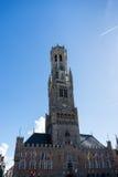 BRUGGE, BELGIË EUROPA - 25 SEPTEMBER: Mening naar de Klokketoren Stock Foto's