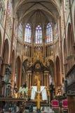 BRUGGE BELGIEN - APRIL 22: Altare i Salvatorskathe arkivbilder
