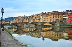 Bruggen over Arno-rivier in Florence, Italië Royalty-vrije Stock Afbeelding