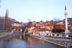 Bruggen over de rivier van Sarajevo, bosnia Stock Afbeelding