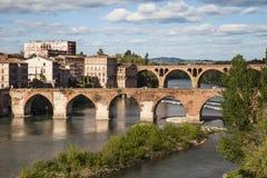 Bruggen over de Tarn in Albi royalty-vrije stock afbeeldingen