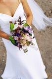 Bruid & boeket Stock Foto
